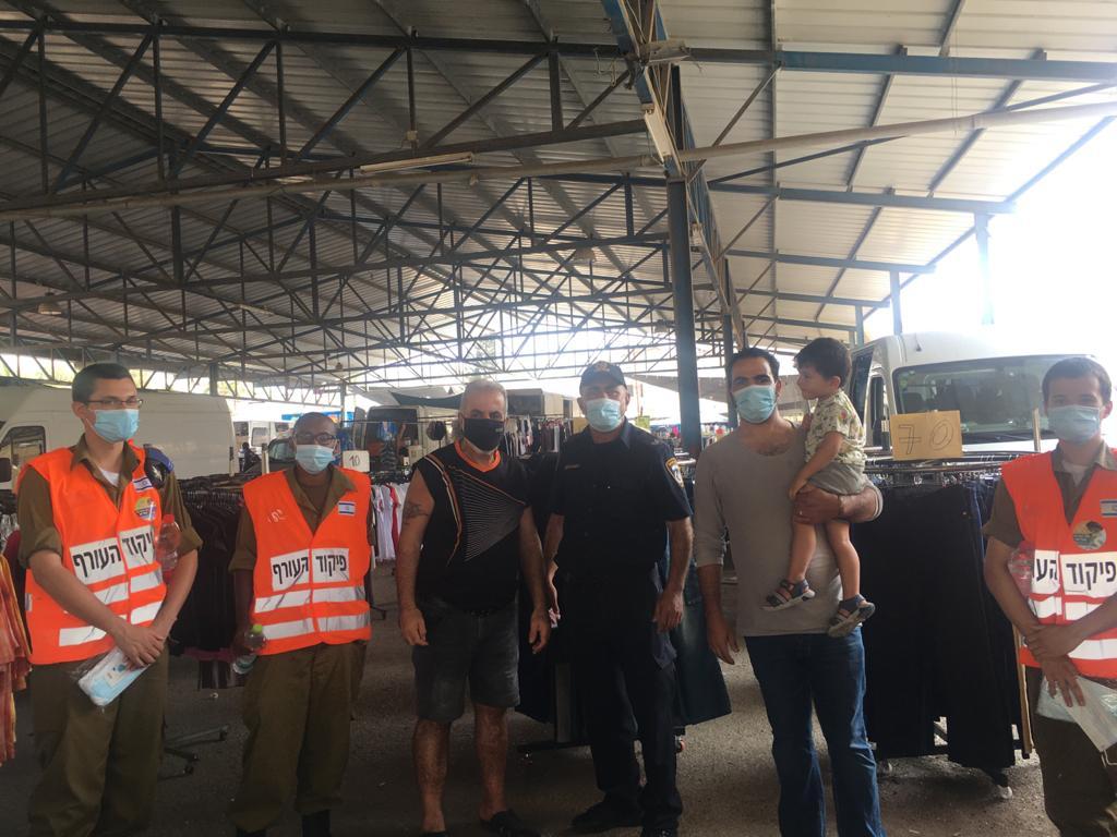 بالتنسيق مع الجبهة الداخلية والشرطة مجلس أبوسنان المحلي يوزّع كمامات للسائقين ومواطنين